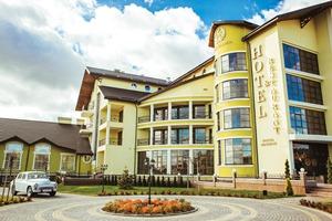 Warszawa Hotel and Restaurant Complex