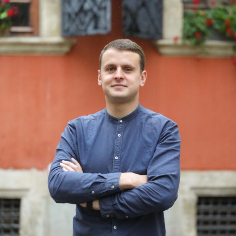 Олег Пастущак